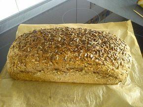 Weizen - Vollkorn - Brot mit Hefe, ein gutes Rezept aus der Kategorie Brot und Brötchen. Bewertungen: 28. Durchschnitt: Ø 4,3.