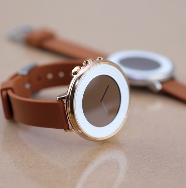14mm Quick Release Silicone Light Brown Band on a Rose Gold Pebble Time Round
