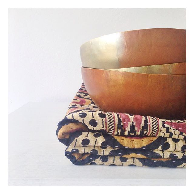 Bronzed love! I know we all need these in our lives!!  #globalliving #interiors #homewares #decor  #interiordesign #colour #platter #horizon #brass #tableware #bowl #kantha #throws #quilts