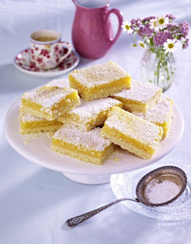 Unser beliebtes Rezept für Sommerliche Zitronenschnitten und mehr als 55.000 weitere kostenlose Rezepte auf LECKER.de.