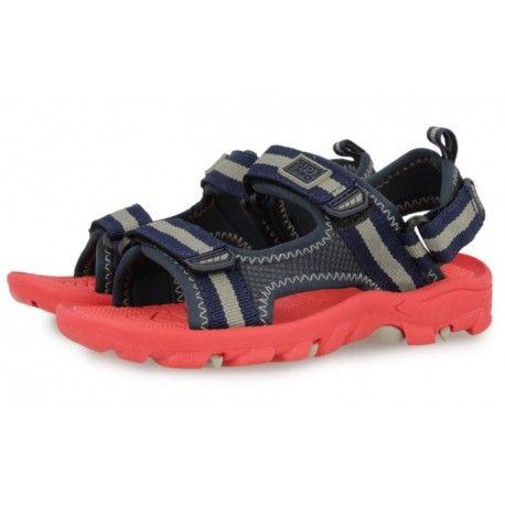 Sandalia azul 28170 . Zapato con cierre de tres velcros para mejorar la sujeción y el confort en el pie. Californiana pensada para poder mojarse.