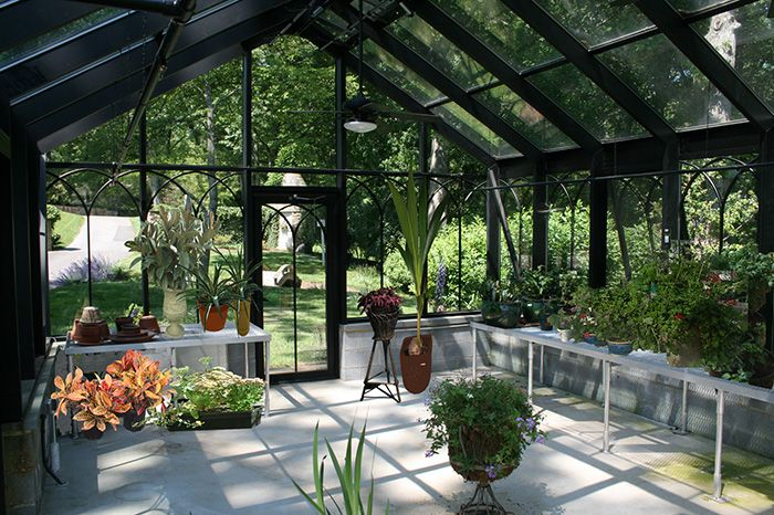 Best 25 greenhouse interiors ideas on pinterest for Greenhouse designs for residential use