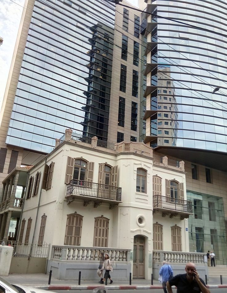 Old and new in Tel Aviv center