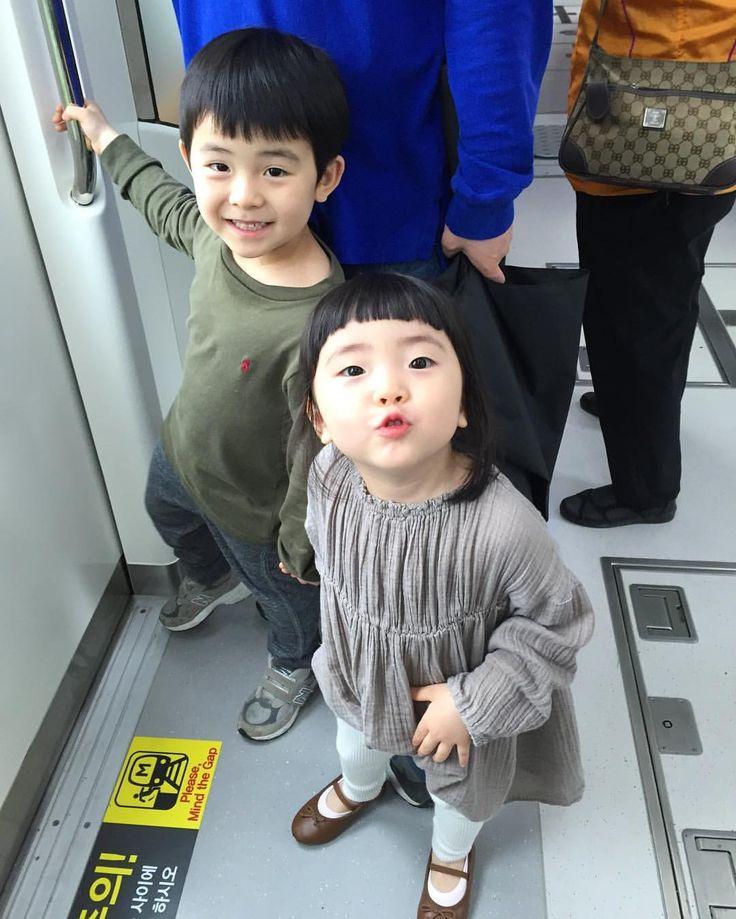 """ถูกใจ 3 คน, ความคิดเห็น 1 รายการ - Jongsoo  Kwon (@anoxemia) บน Instagram: """"#chu #shoes"""""""