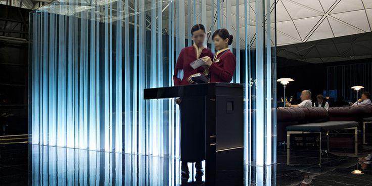 Световая инсталляция от Fabbian. Феноменальная хай-тек скульптура из стекла The Wing