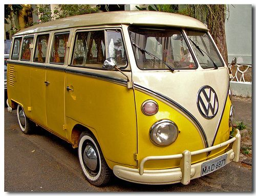 VW BUS: Yellow Submarines, Campers Vans, Dream Cars, Bus Yellow Whit, Vw Bus, Future Cars, Awesome Color, Yellow Vw, Vw Vans