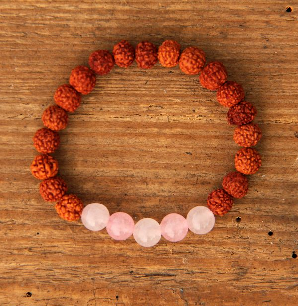 Náramky   rudraksha náramky   Rudraksha náramek s růženínem   Pachamama - šperky a doplňky