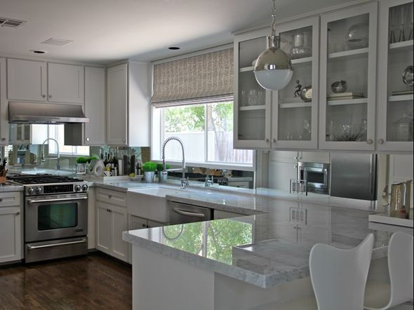 Modern kitchen and soothing grey color.