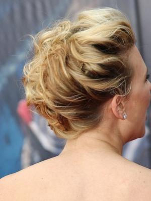 Scarlett Johansson's sweet and swirled updo