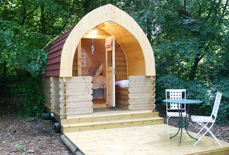 Hollington Park Glamping Wooton Hill, Newbury, Hampshire, UK, England. Campsite. Camping. Travel. Holiday. Glamping. Outdoors. Luxury.