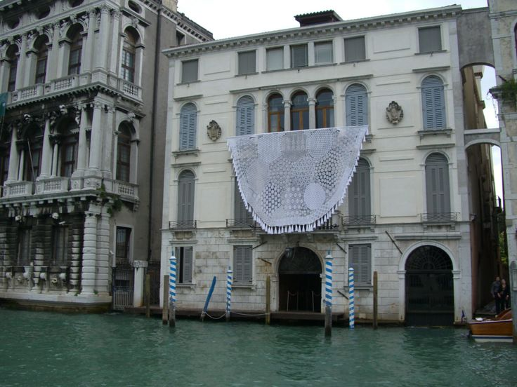 Donzela - Bienal de Veneza