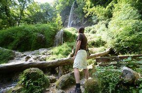 """In Deutschland gibt es viele schöne Wanderwege, doch der schönste befindet sich in Bad Urach. Das """"Wandermagazin"""" hat den Wasserfallsteig zu """"Deutschlands schönstem Wanderweg 2016"""" gekürt."""