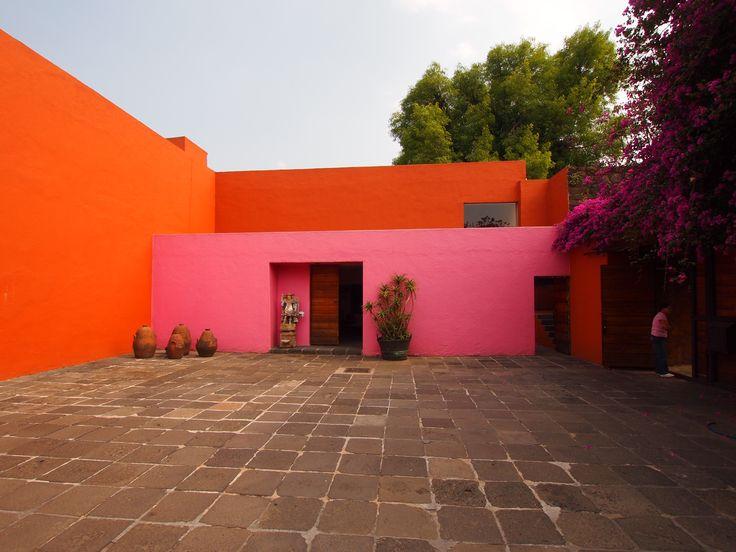 planos low cost: Colores Barragán / Barragan colors