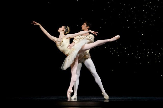 sofiane sylve and pierre-francois vilanoba in balanchine's jewels. | © erik tomasson