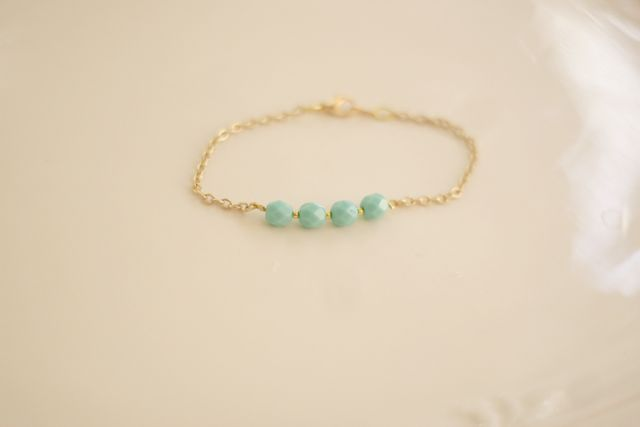DIY Arm Candy (Part II) Make this pretty little mint bracelet
