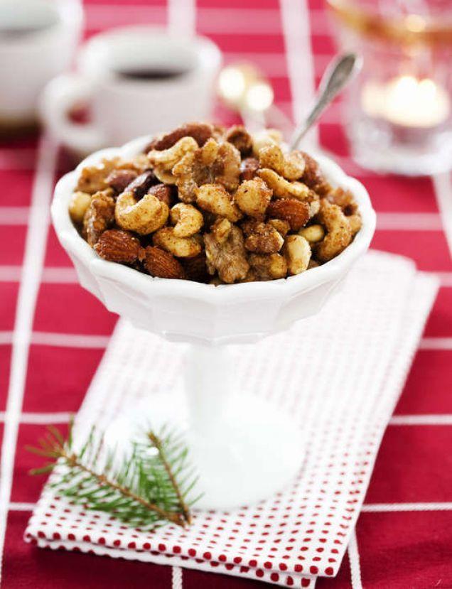 Kryddrostade nötter - sött, salt, hett och kryddigt!