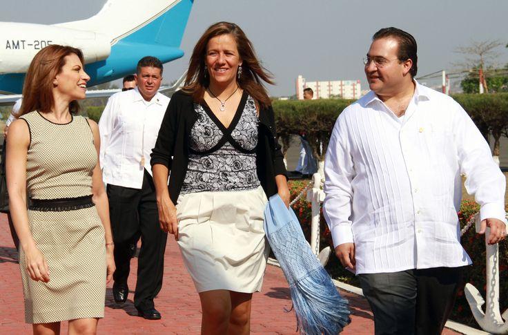 """Javier Duarte: """"El éxito de estas tareas está en la coordinación efectiva de los tres órdenes de gobierno con los sistemas para el Desarrollo Integral de la Familia"""""""