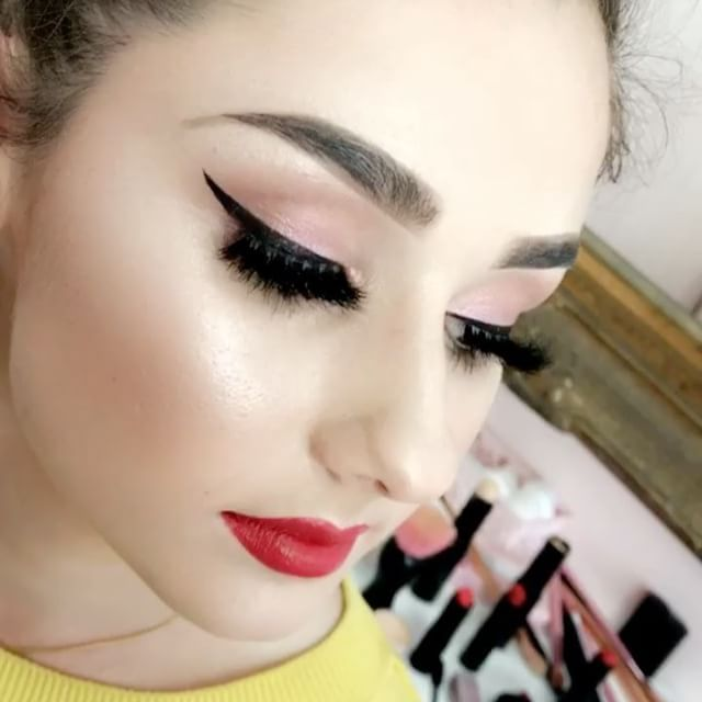 Our Brand new Lashes paired with a Killer wing & red lips is what we live for 😍👌🏼💫 @phoenixrenata filmed this look on the beautiful @stephramlose_ 💞 Tutorial up soon!