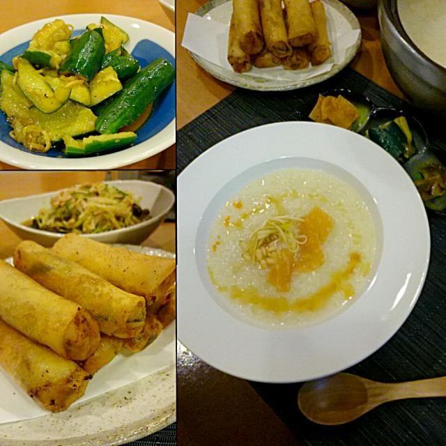 中華粥のリクエストがあり、今日は中華!  今日の中華粥には、揚げワンタン皮に松の実、白髪ネギのナムル(柚子ポン酢に熱々のごま油をかけただけ)をトッピングして、ごま油とラー油で香り付け。  ・きゅうりの生姜醤油漬け ・ザーサイ ・春巻き ・もやしの中華サラダ - 93件のもぐもぐ - 中華粥とそれに合わせた中華料理!? by Kei804