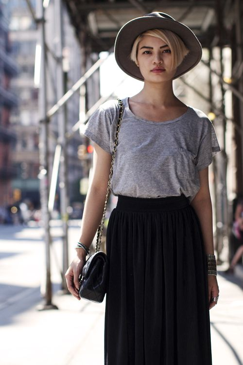 Casual weekend look with black maxi skirt and gray tee