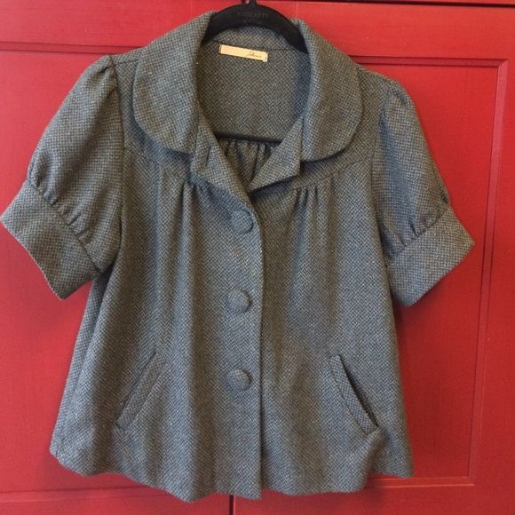 Baby doll lightweight jacket sz M gray Lightweight gray tweed baby doll jacket. Short sleeves. Size medium. 45% polyester 25% acrylic 15% wool 15% rayon hand wash. Jackets & Coats