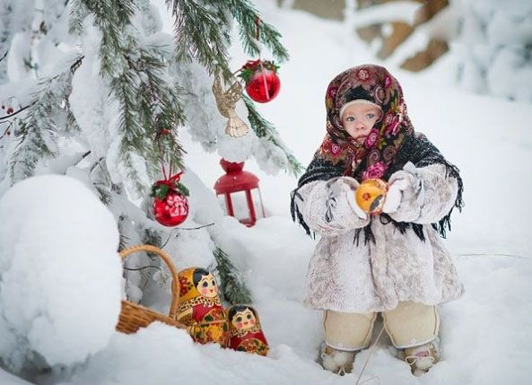"Зимняя фотосессия-Some users write below this photograph that it is ""Ukrainian girl."" this is a mistake. Author Olga Belonozhko lives in Surgut (Russia) and children -models Russian too"