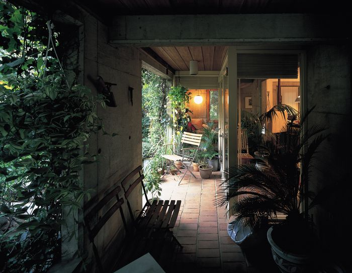 阿部勤さんはもうひとりのわが師です。 阿部さんの自邸にはアルテックの会で何度か伺ったことがあり、それはすばらしい空間体験でした。 ぼくが日本で見た...