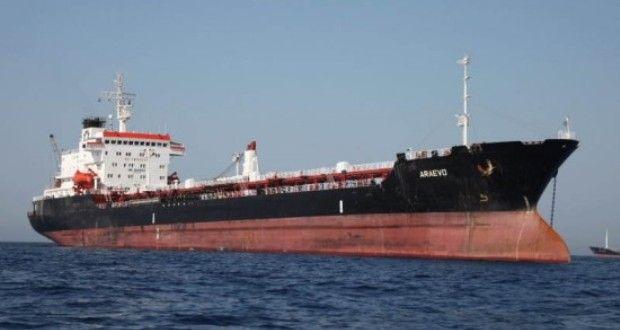 Ελληνικό πλοίο βομβαρδίστηκε στη Λιβύη επειδή πιστευόταν ότι μετέφεραν τζιχαντιστές | Verge