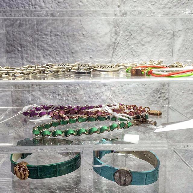 Altra visuale dei nostri amici di: La Nicchia Plaza de la constitucion 3 IBIZA  www.bdgaccessories.com  #shop #accessories…