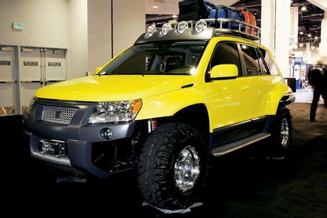 129 0603 19 Z+2006 Suzuki Grand Vitara Dune Concept+front View - Photo 9250093 - 2005 SEMA Auto Show - Visions Of Vegas
