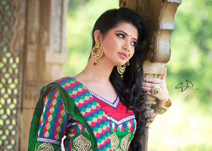 Ena saha simply beautiful
