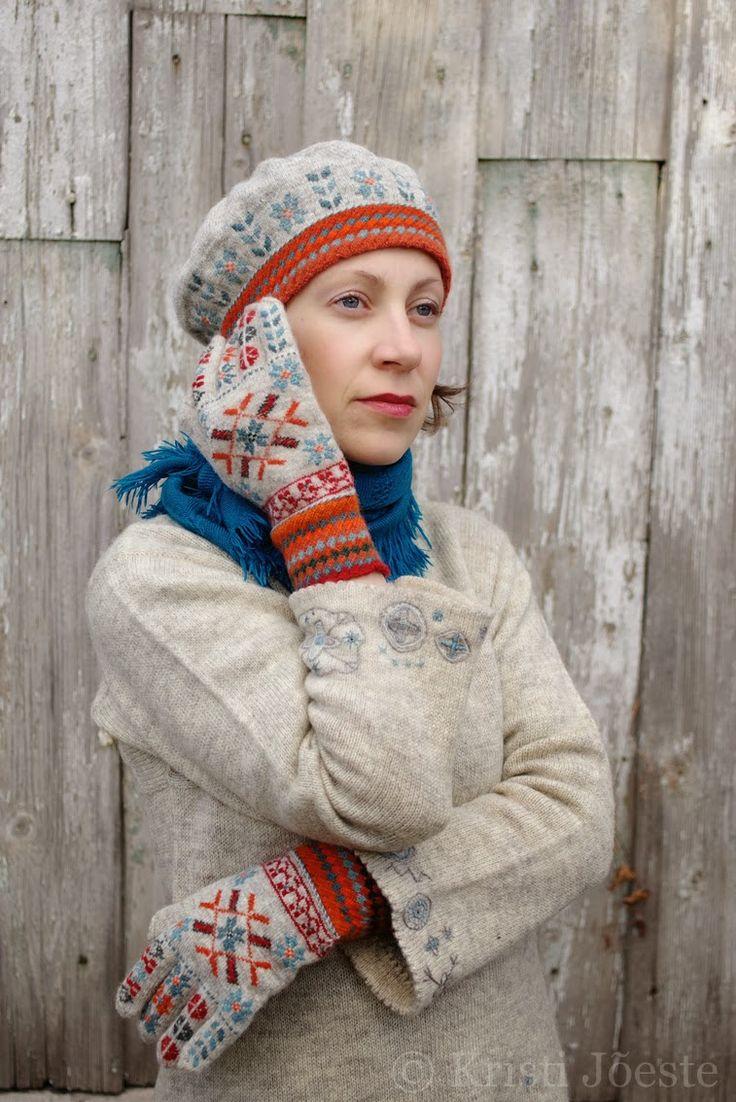 Mütsi teostus/The hat by: Kadi Salumets   Esitlen talveootuse toonides komplekti Tarvastu roositud sõrmkinnaste ERM 749 ainetel (originaal...