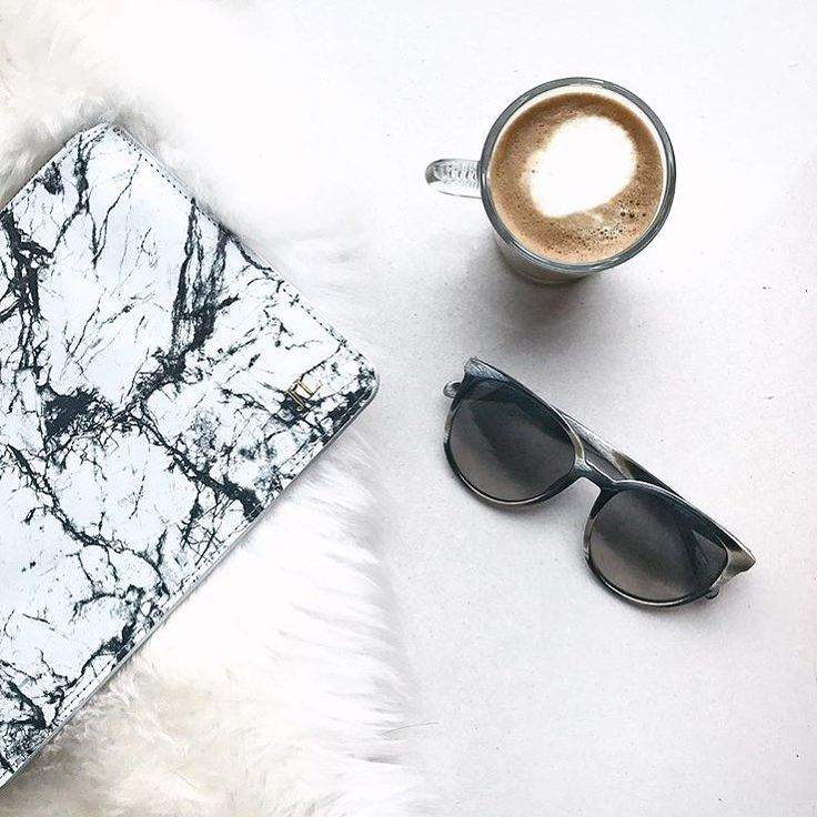 Obsessed with these marble pouches. 💭 as is our babe @4evajessie   shop online www.elavonza.com & get 25% off with code NEWME