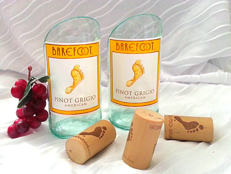 Barefoot Pinot Grigio Mini Bottle Gift Set (2) by CraftwicCandles on Etsy