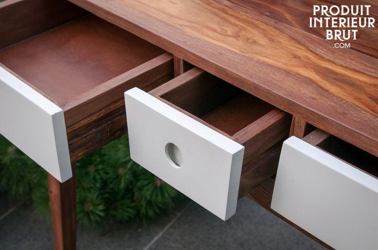 Tavolo consolle Naröd,Consolle, La consolle Naröd è un articolo che sembra essere uscito dalla casa di un architetto scandinavo degli anni 50. Sarebbe ideale in un corridoio o in una sala da pranzo, ma può tranquillamente trovarsi in un ufficio o come toletta in camera da letto.