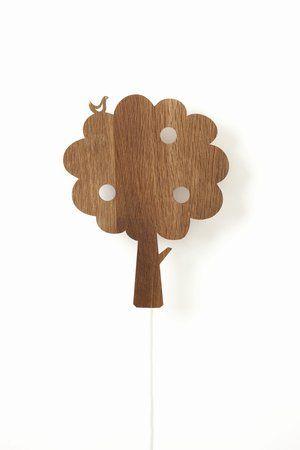 lilla ENJA - Barnmöbler och Inredning på nätet - Tree Lamp, vägglampa från Ferm Living