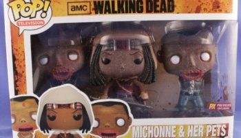 2013 Walking Dead Michonne & Her Pets Glow in The Dark - PX Previews Exclusive - Limited!!!