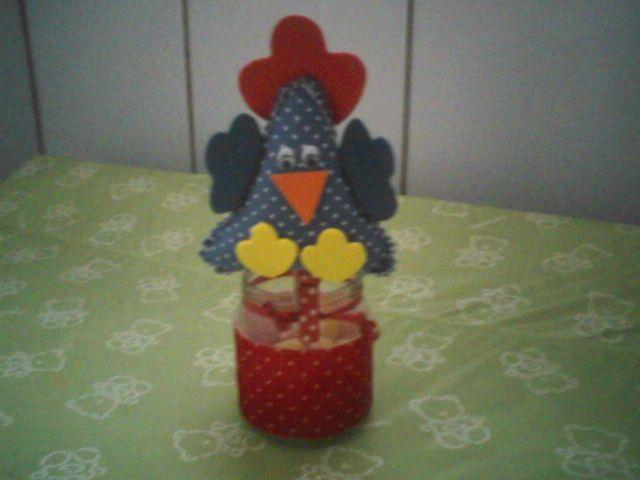 centro de mesa da galinha pintadinha com pote  de papinha.