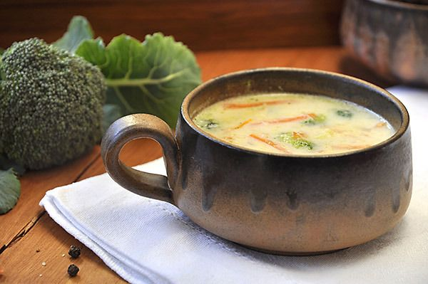 Σούπα λαχανικών με μπρόκολο και τυρί cheddar/Broccoli-cheddar soup