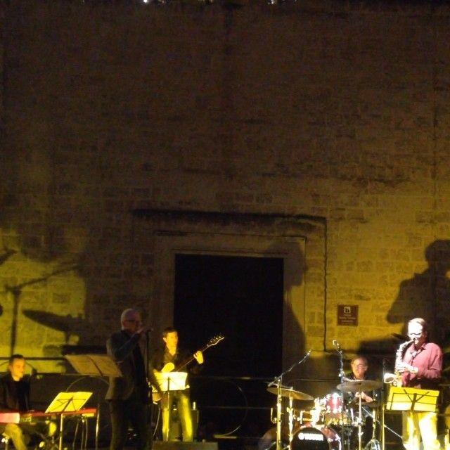LIVE Piazza Palmieri, Monopoli (Bari, Puglia, Italia) - Giuseppe Del Re quintet (Giuseppe Del Re, Ettore Carucci, Francesco Angiuli, Mimmo Campanale, Gaetano Partipilo) plays Moon Dance   http://instagram.com/p/rO_6DRvhLb #palmieri #monopoli #bari #puglia #delre #carucci #angiuli #campanale #partipilo #jazz #bossa #sax #piano #drums #bass #voice #buble #bublé #vanmorrison #moon #dance #solo #plays #stage #etapa #guitarra #baixo #plano #lua #dança