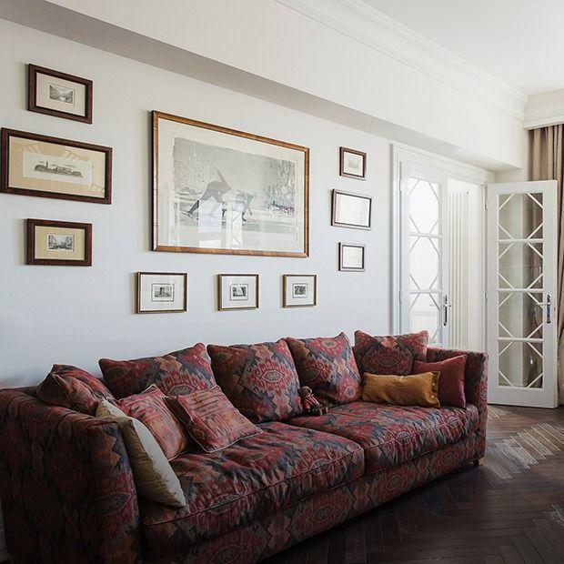 Светлая квартира архитектора всталинском доме. Для стен выбрана краска Teknos Biora Balance, для пола — дубовый паркет фабрики Antique Wood Collection.