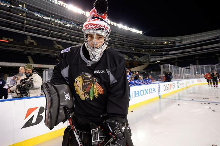 Crow gets acquainted to the Soldier Field ice. #StadiumSeries