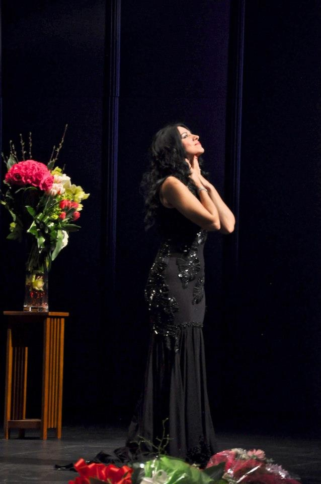 17 best images about angela gheorgiu on pinterest lady opera singer and concerts - Canta casta diva ...