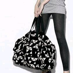 Carpetbagger- This over-sized bag is a great bag to make that can be used for anything from gym to an over night.