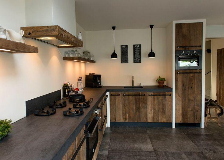 Oud eiken keuken in modern landelijke omgeving  #restylexl #eiken #keukens #keuken #oudhout #hout #houten
