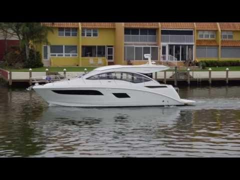 2017 Sea Ray Sundancer 400 Power Boat For Sale - www.yachtworld.com