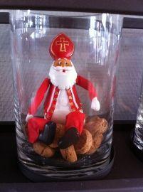Sinterklaas en pepernoten in een vaas