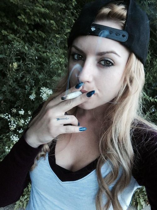 Lexi Belle smoking | My Board_July | Belle, Diamond, Jewelry