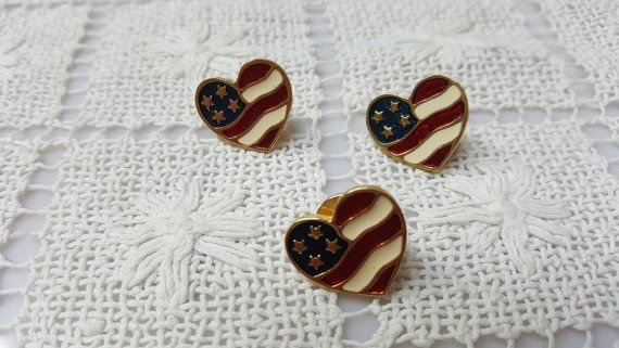 Avon Heart of America Patriotic Pierced Earrings and Lapel pin Mint Condition 1990