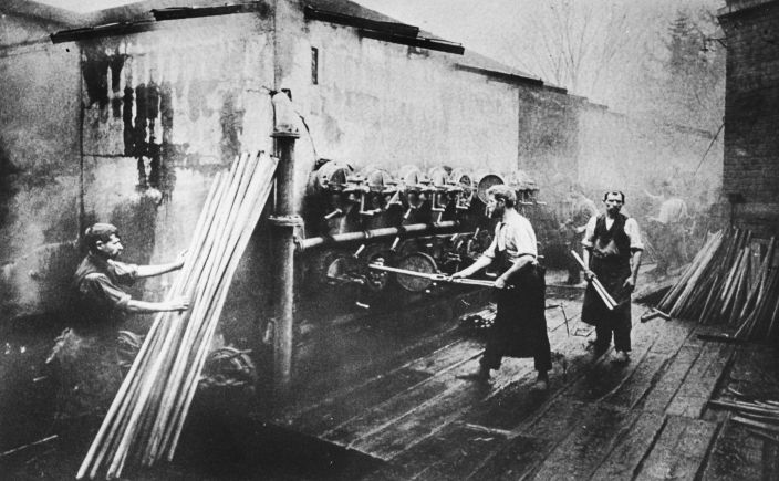 Wooden rods into steam chambers